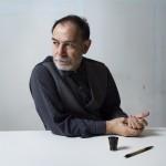 Illustrateur italien dans son atelier parisien